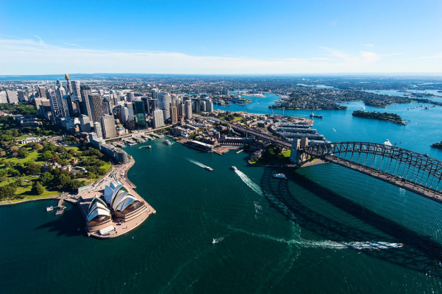 Sydney Harbour flight charter and tourism package